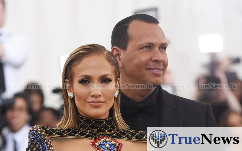 jennifer-lopez-shares-new-photos-of-her-engagement-to-alex-rodriguez